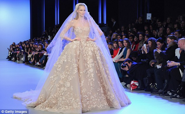 Elie Saab Fall 2017 Collection - The Wedding Guys