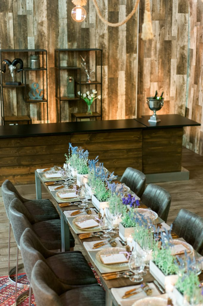 Rustic outdoorsy wedding tabletop