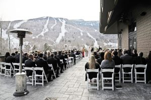 International mountain day: 6 spectacular mountain destinations for your wedding