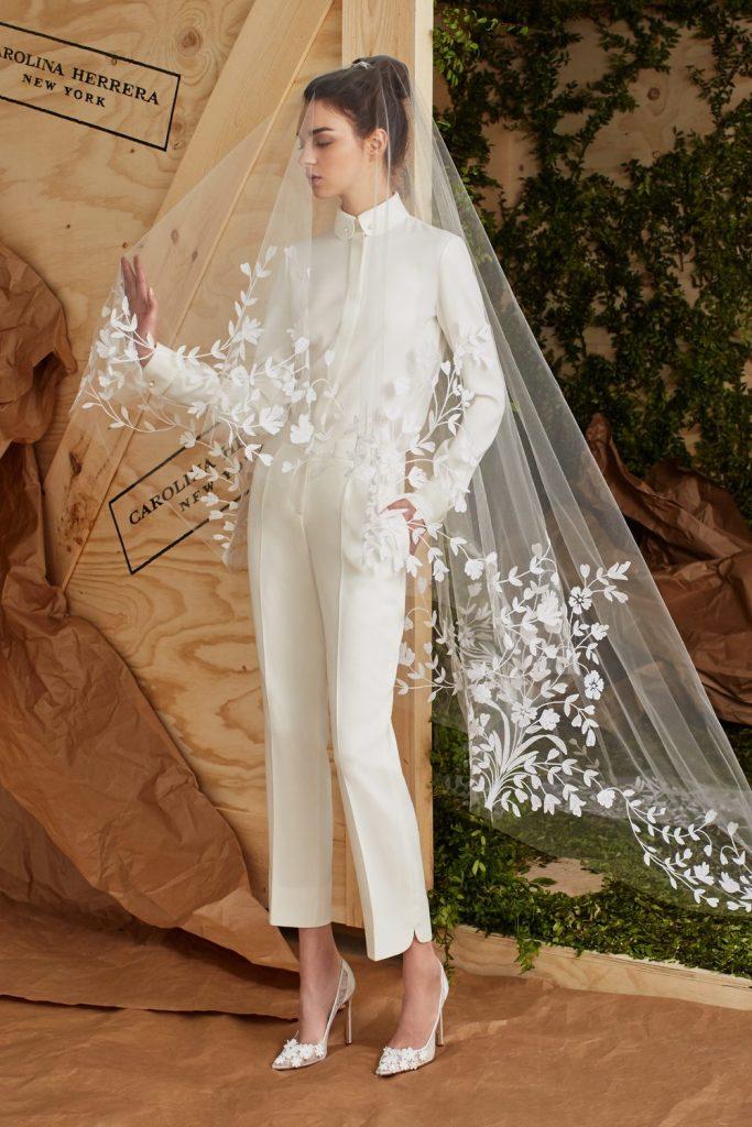 Long-sleeve white wedding pantsuit