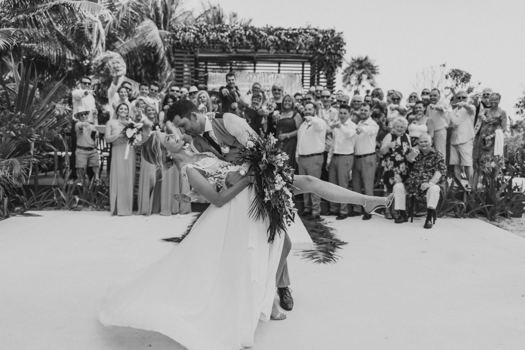 Couple celebrates Mexico wedding