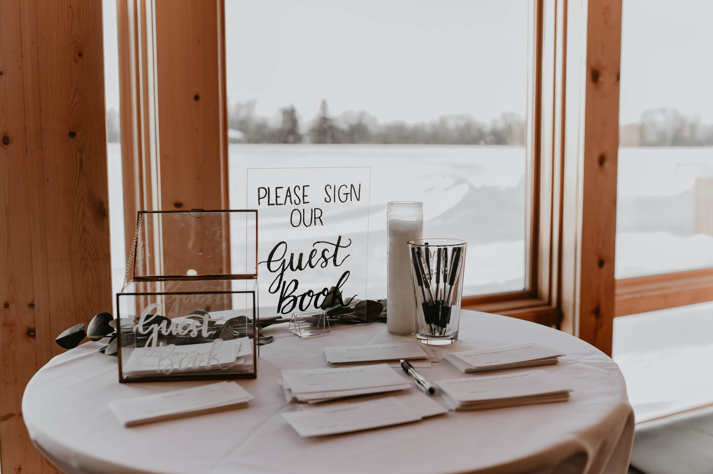 Wedding signage by Mini Memo CO