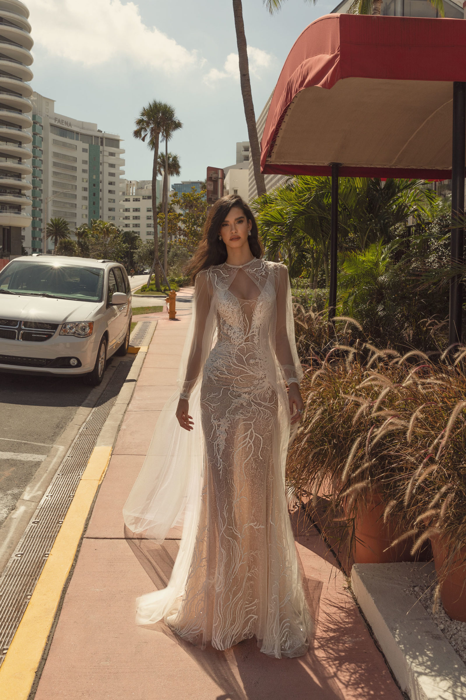 Bride wears long veil