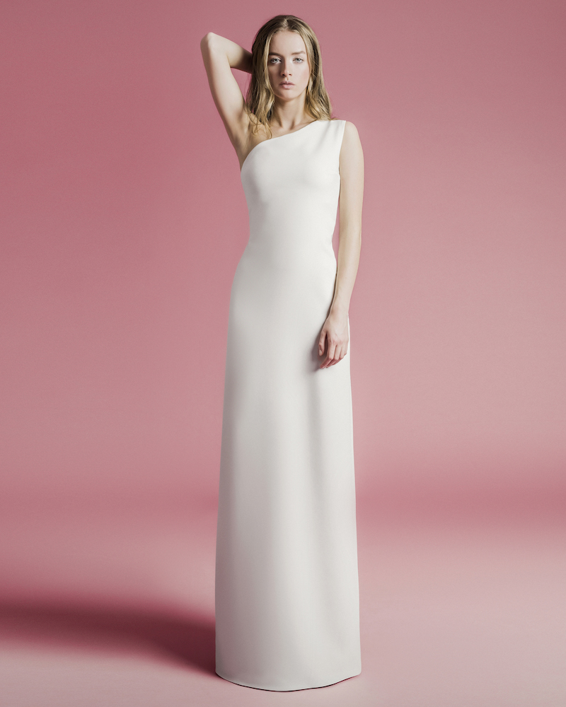 One-sleeve crepe bridal gown