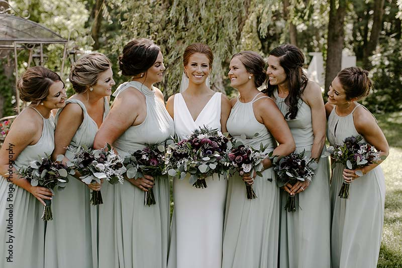 How to be the best bridesmaid by supporting the bride and getting along with others