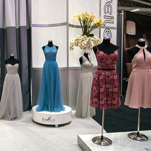 Bridesmaids Gallery at Unveiled Minneapolis