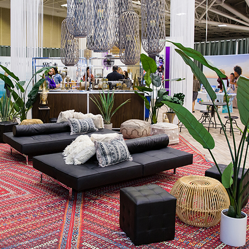 Vacation-inspired lounge area at the Honyemoon and Destination Wedding Showcase