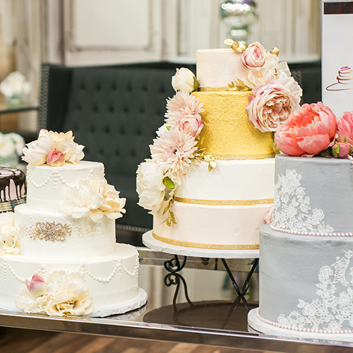 Floral cake display at the Sweets Emporium at Unveiled Minneapolis
