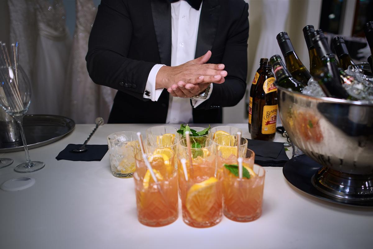 Palomas as signature cocktail at wedding