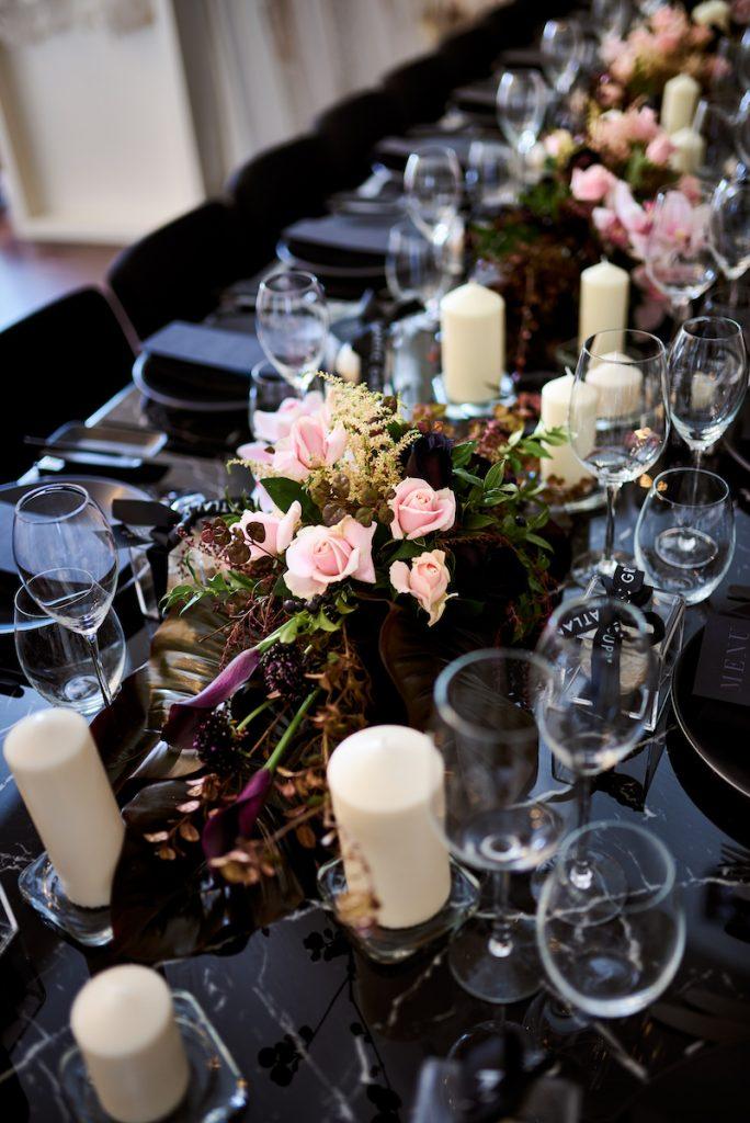 Noir wedding table