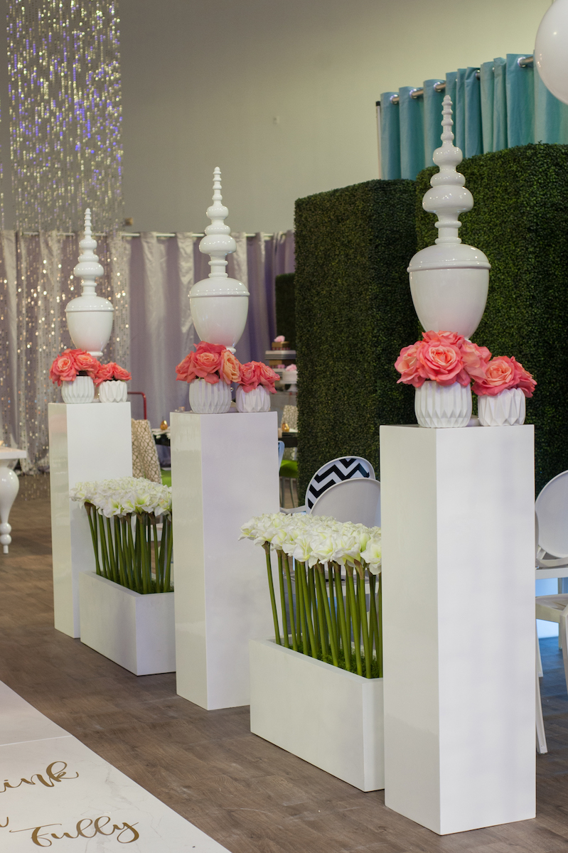 Acrylic wedding ceremony details