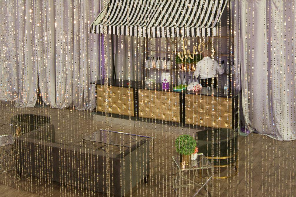 Gold tufted wedding bar