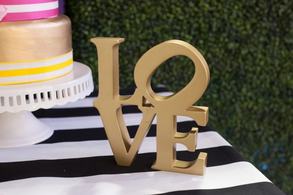 Gold-Love-Sign