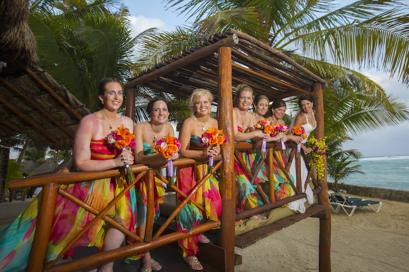 Bridal party uses travel agent to book wedding