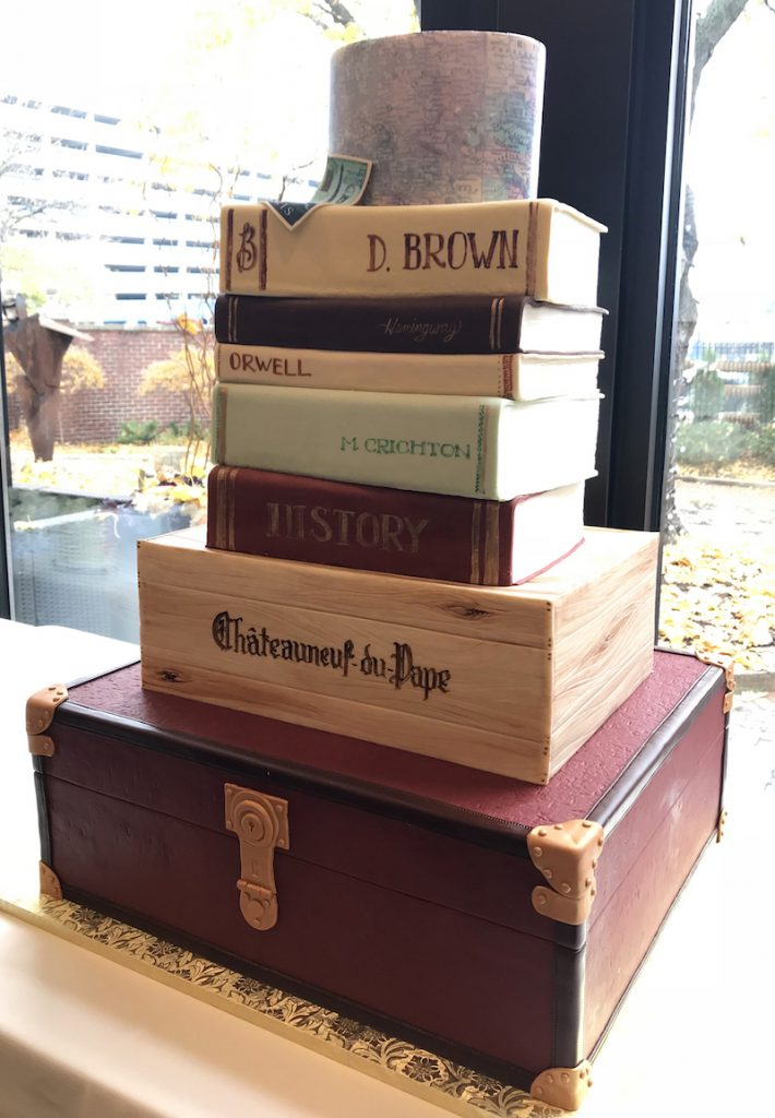 Book-themed groom's cake by Sweet Retreat