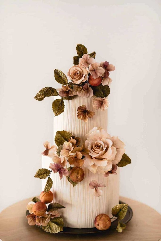 Floral cake with fall color combos