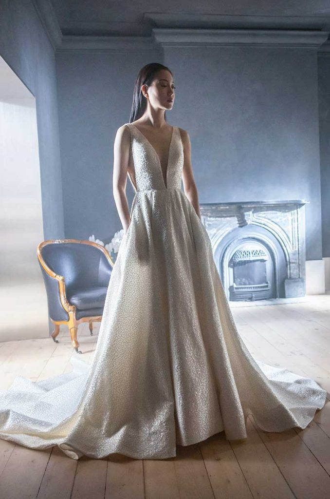 2021 bridal fashion trends gown low cut