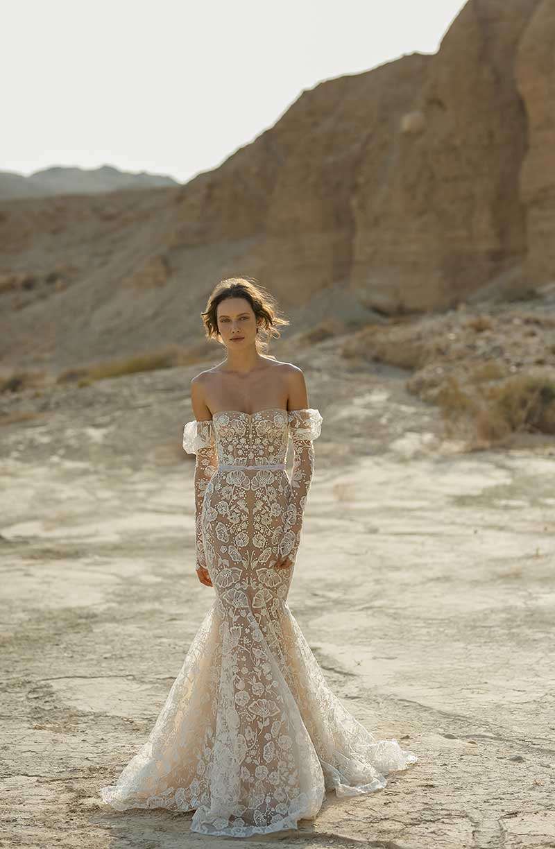 Fit and flare bridal fashion gown with detachable sleeves