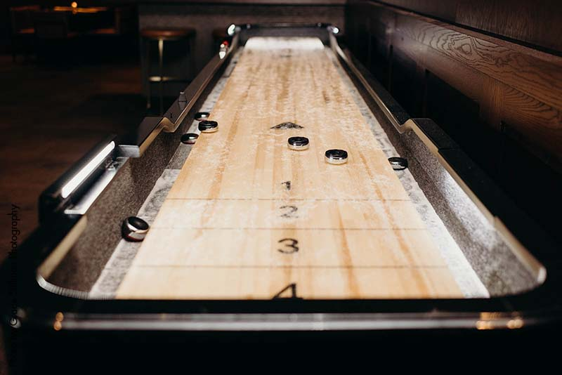 Shuffle board at wedding
