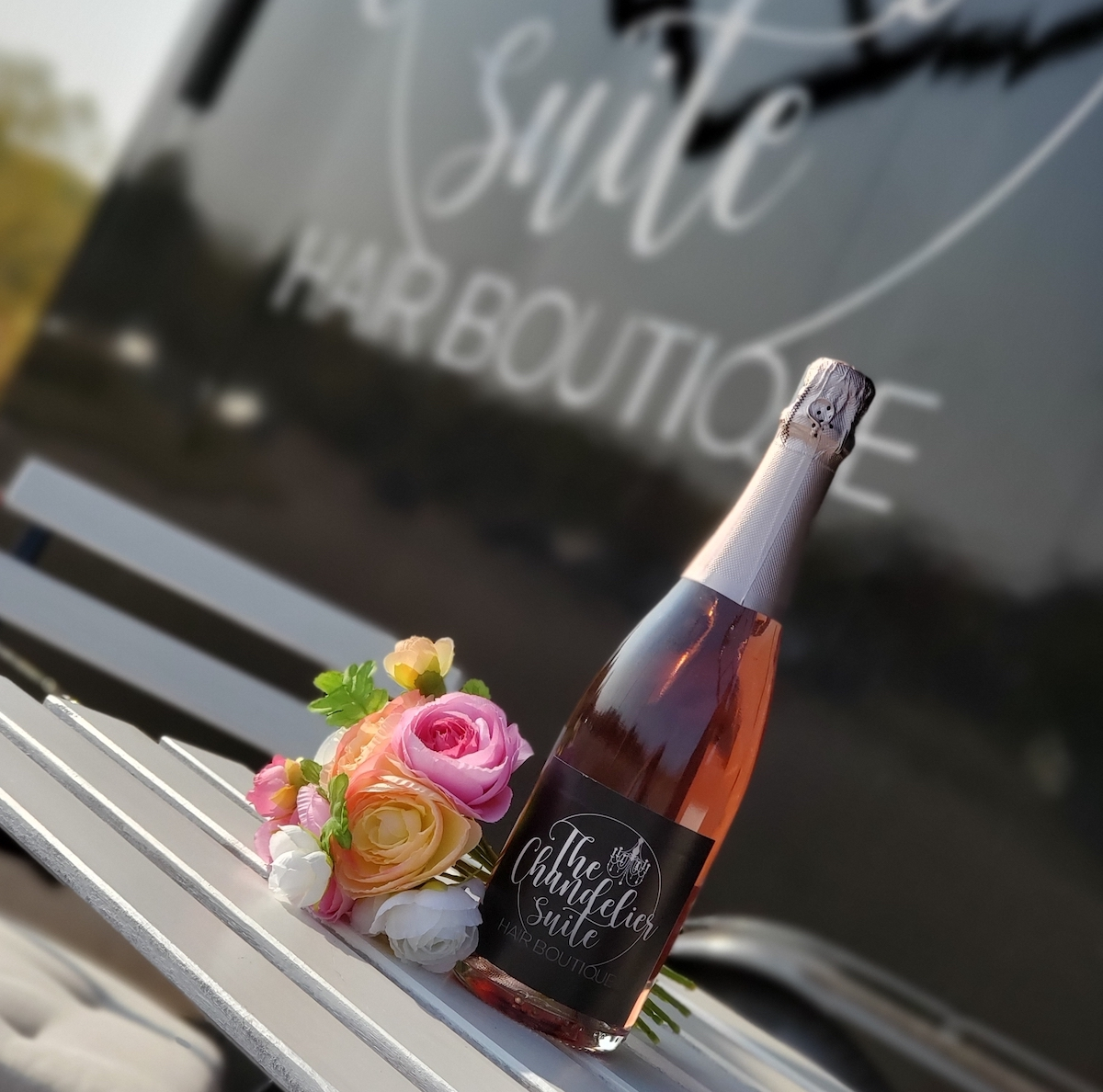 The Chandelier Suite boutique Rose wine with flowers