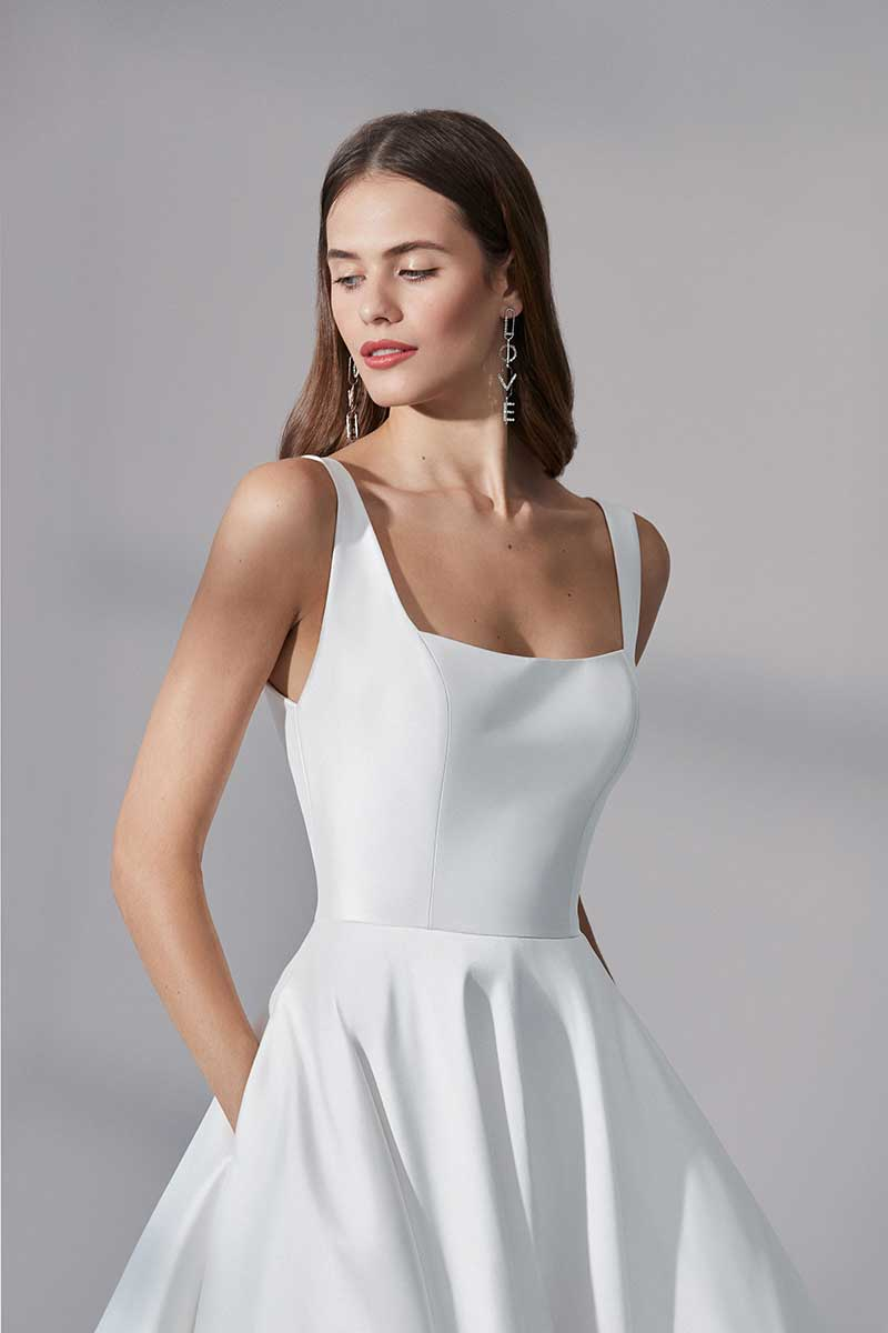 Wedding dress with square neck