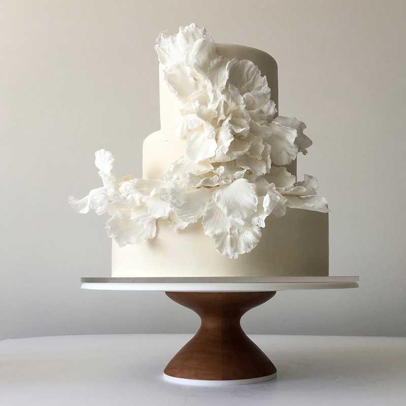 Modern white wedding cakes