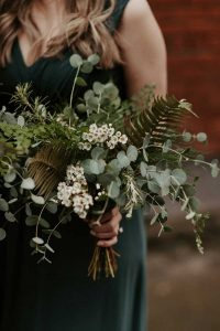 Greenery winter bouquets for wedding
