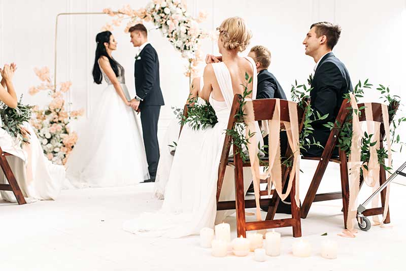 Micro wedding in Minnesota by Pop-Up Weddings