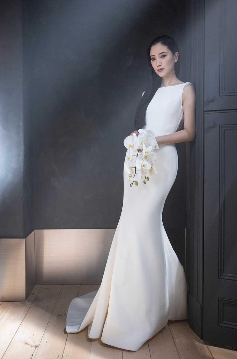 Beateu neckline crepe dress