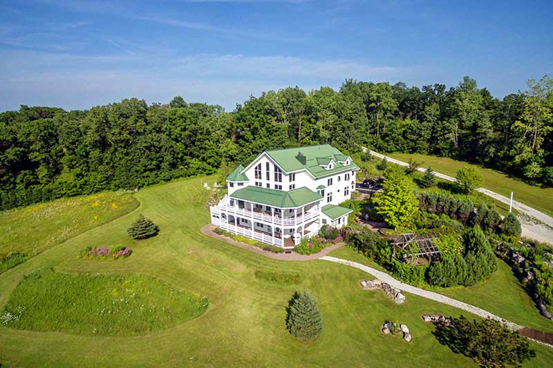 Bed and breakfast sits on bluffs in Southern Minnesota