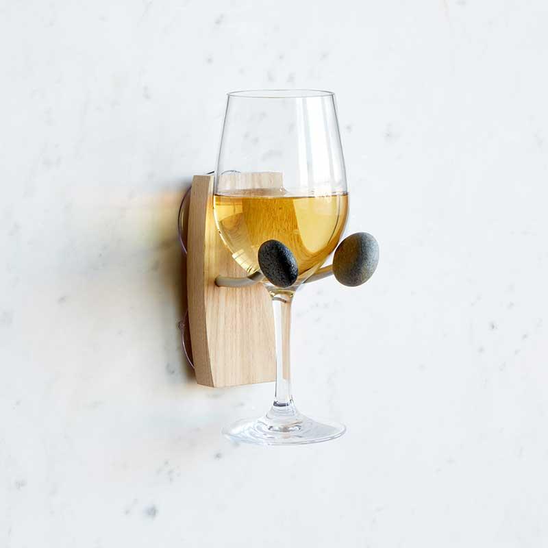 Wine glass holder for the shoer