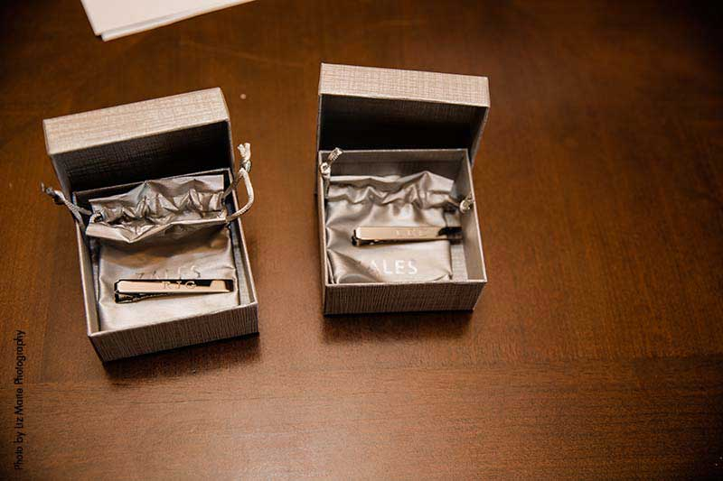Gold tie clips