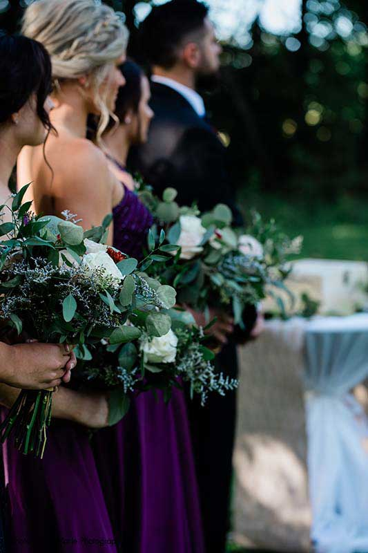 White and greenery bridesmaid bouquets for modern outdoor wedding