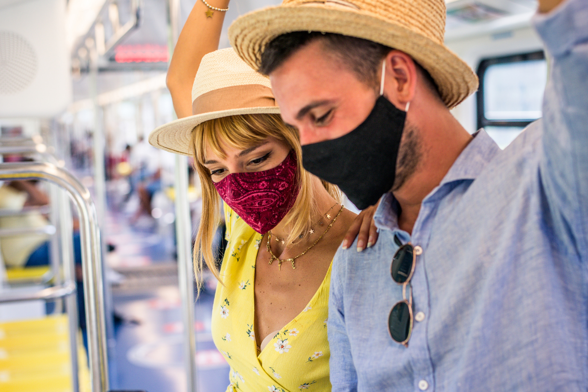 Couple tackle planning your honeymoon during the pandemic