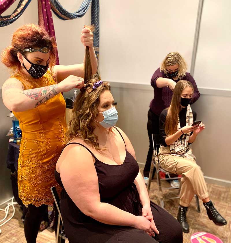 Hair do's at a bridal show in Minneapolis