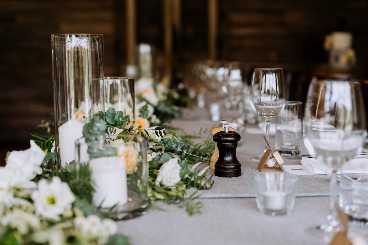 Bright and airy wedding table decor