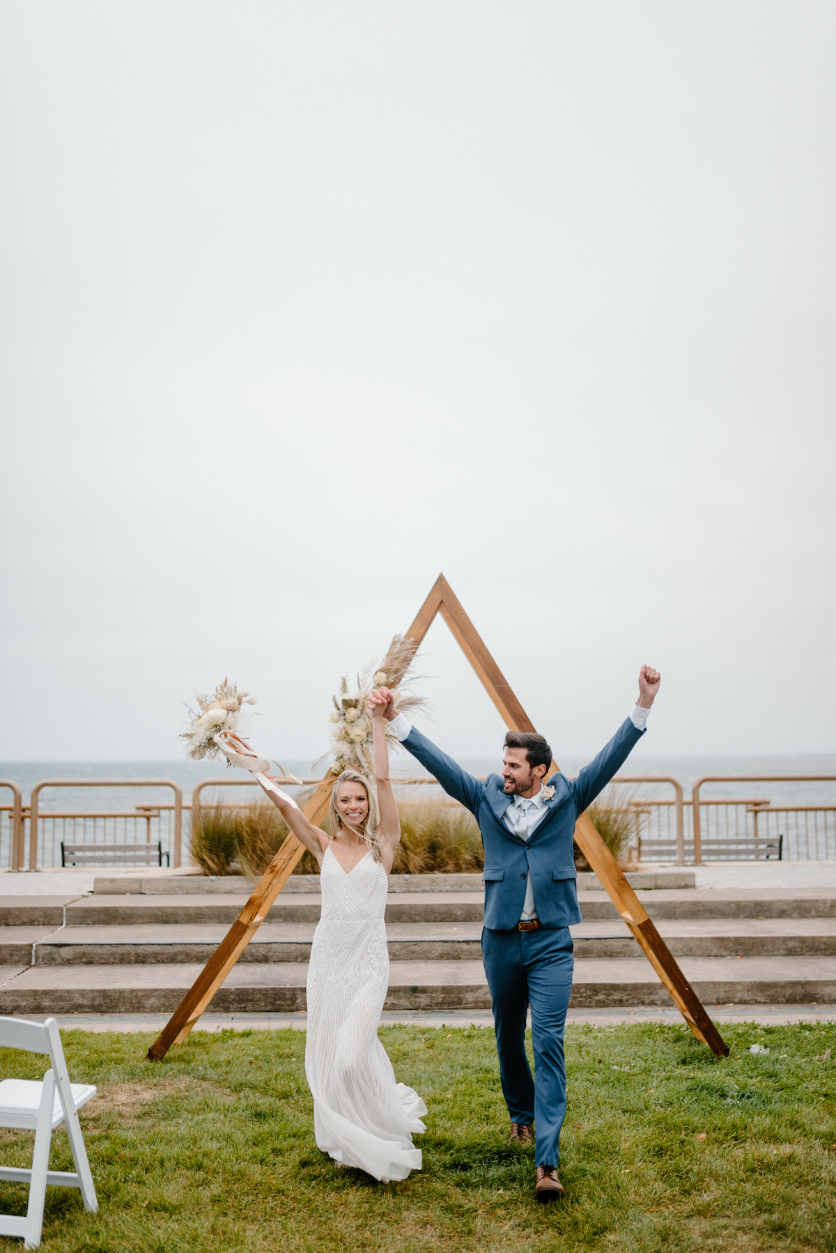Couple marries on the shores of Lake Superior in Duluth, Minnesota