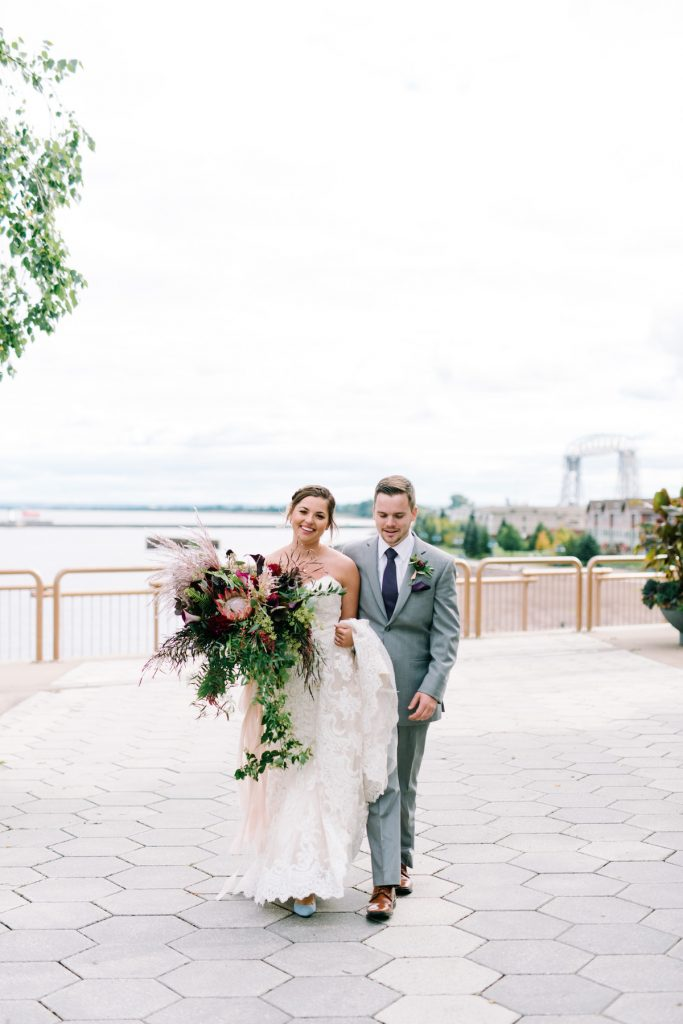 Couple marries on the shores of Lake Superior