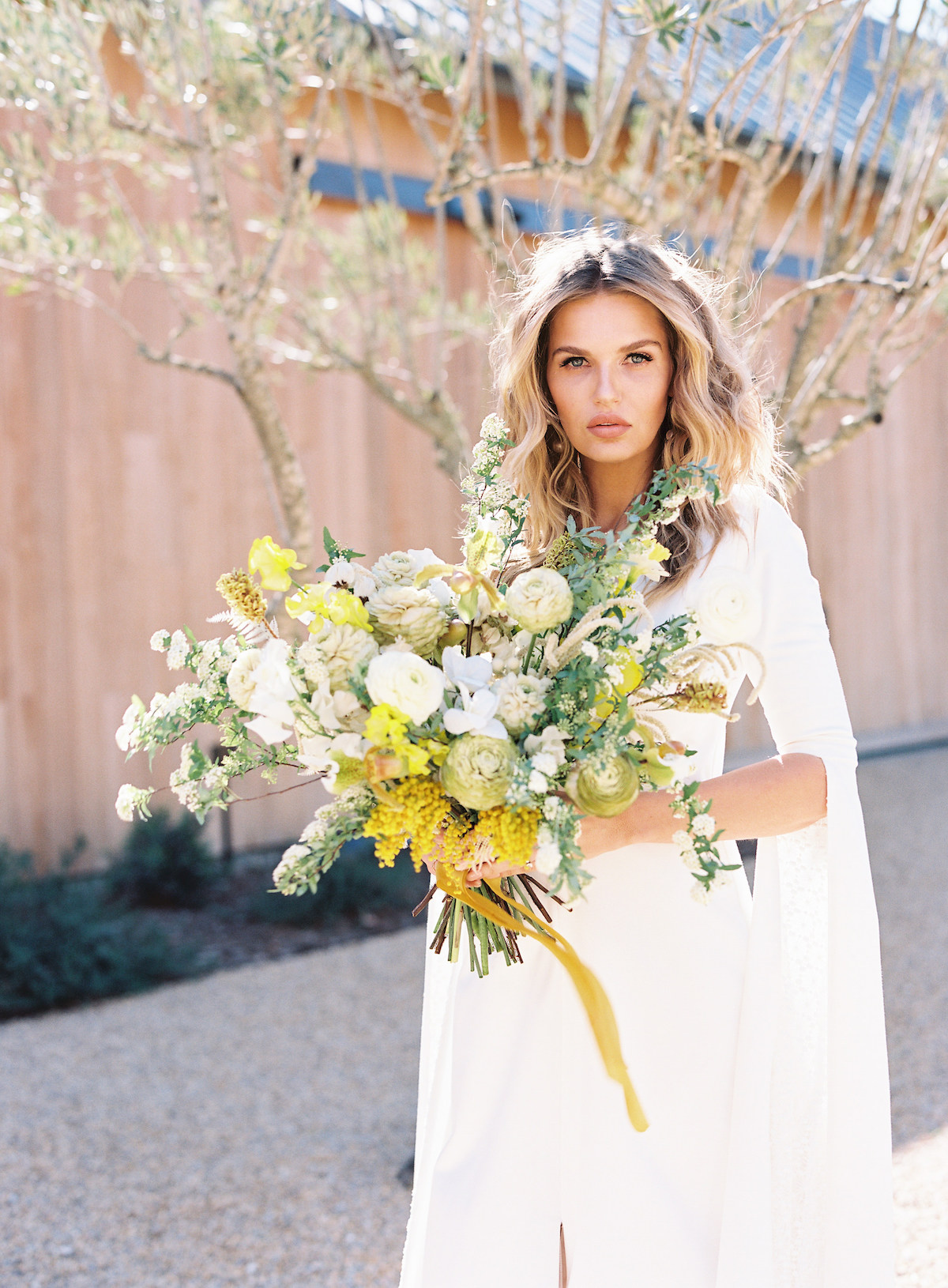Yellow and white bridal bouquet for spring wedding