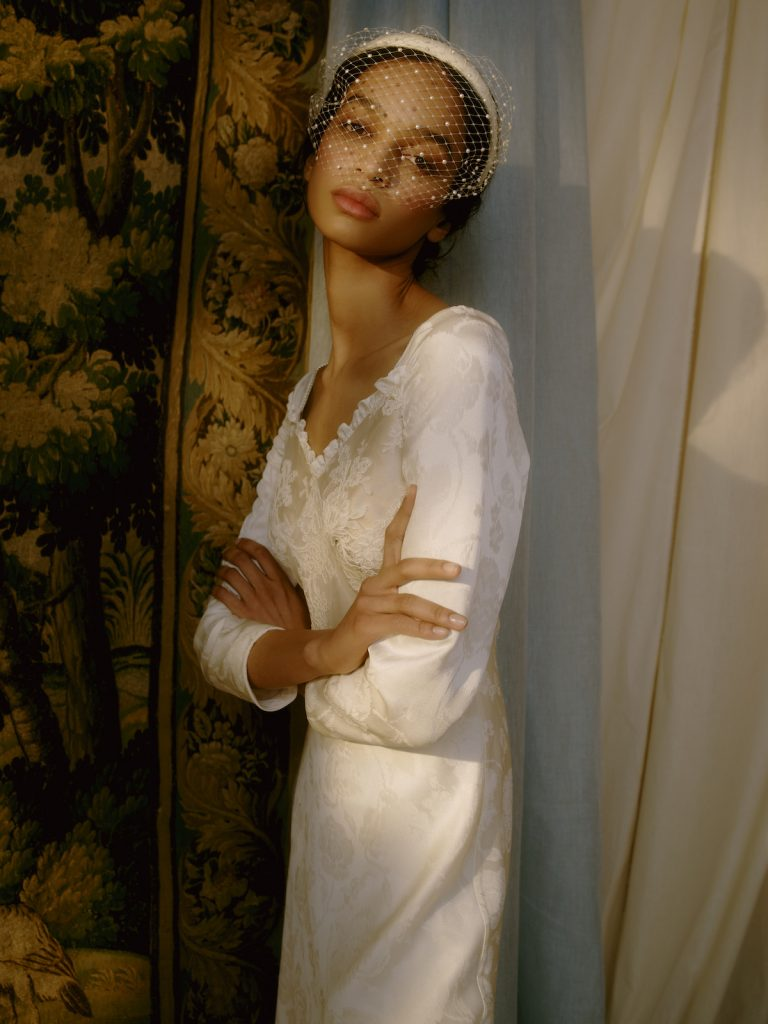 Bridal mesh face covering