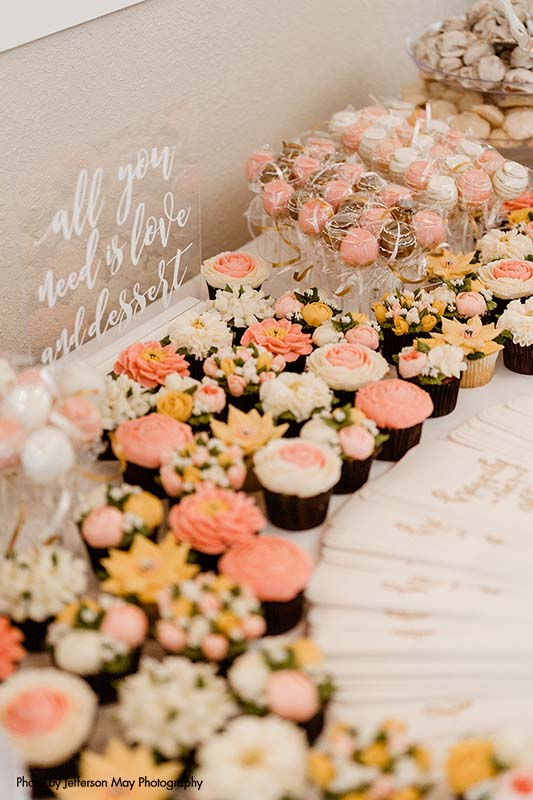 Pink and peach elaborate wedding cupcakes