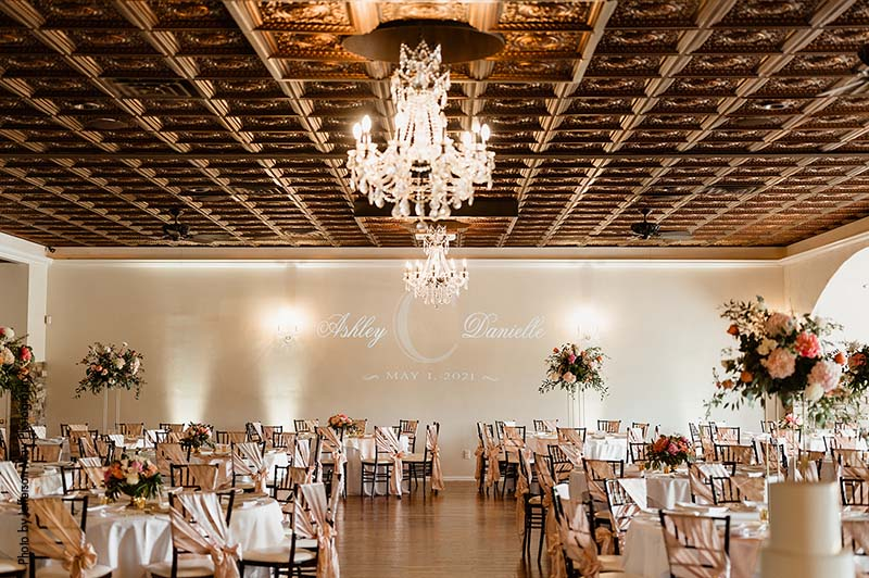 Modern Kansas City wedding reception