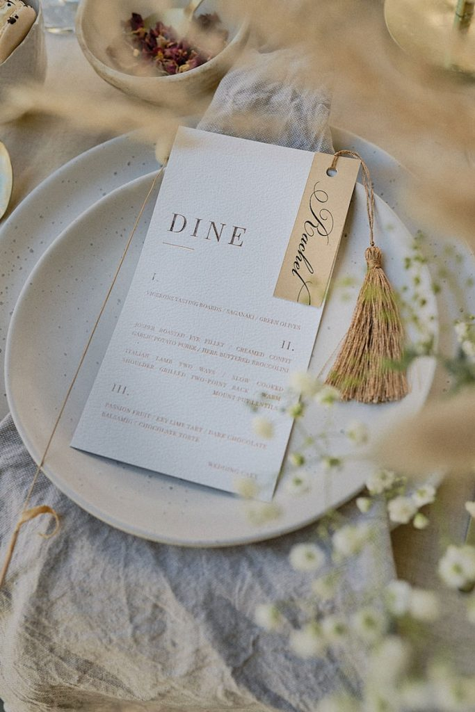 Neutral summer wedding colors as tabletop