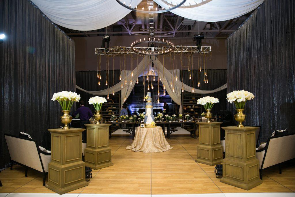 Natural wood and metal wedding cermeony decor