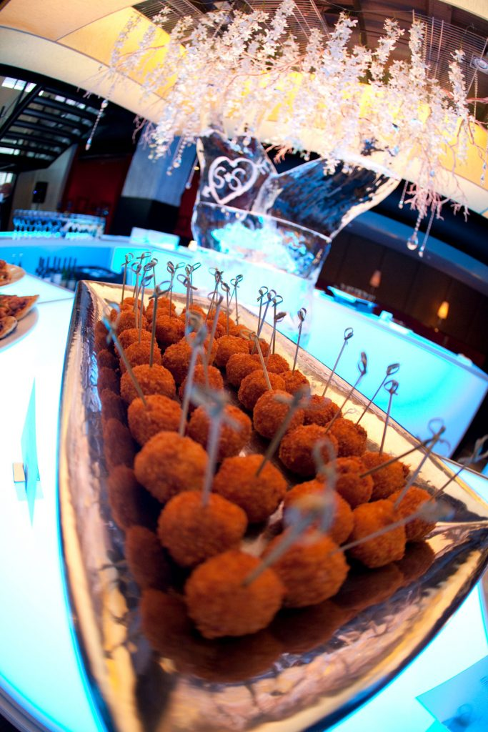 Deep-fried mac and cheese wedding appetzier