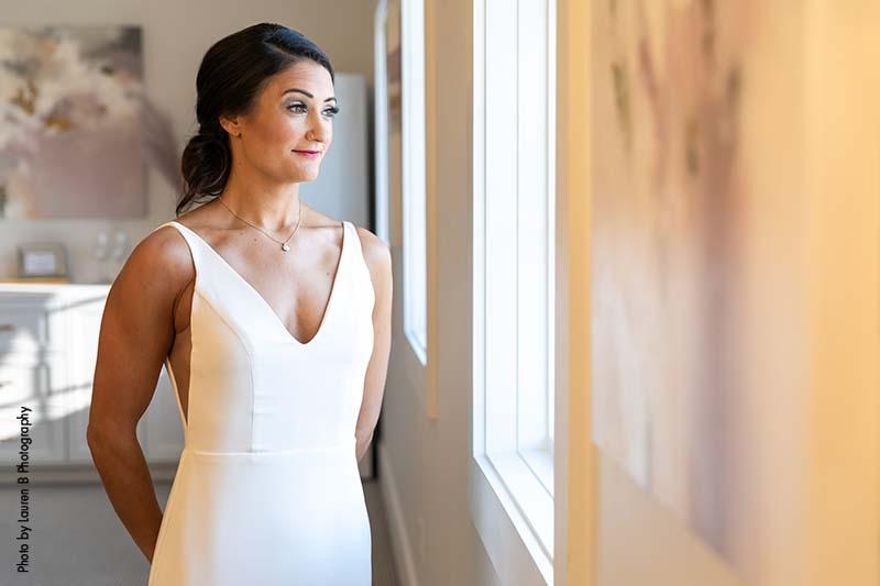 Modern v-neck wedding gown