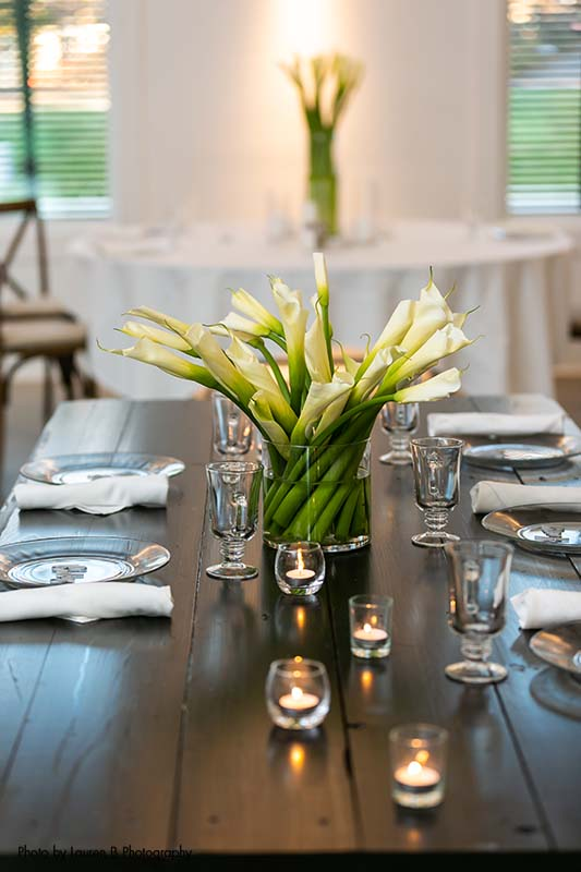 Wedding floral centerpiece with calla lily bouquet