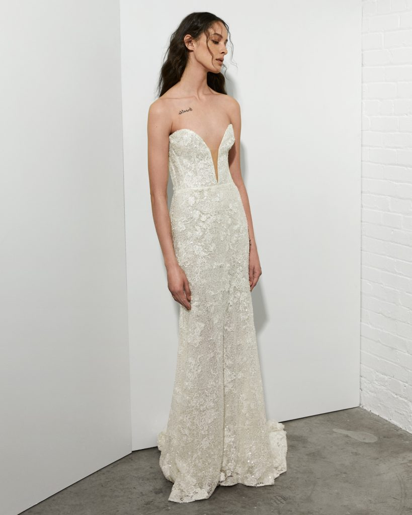 Sweetheart neckline wedding dress with embroidery