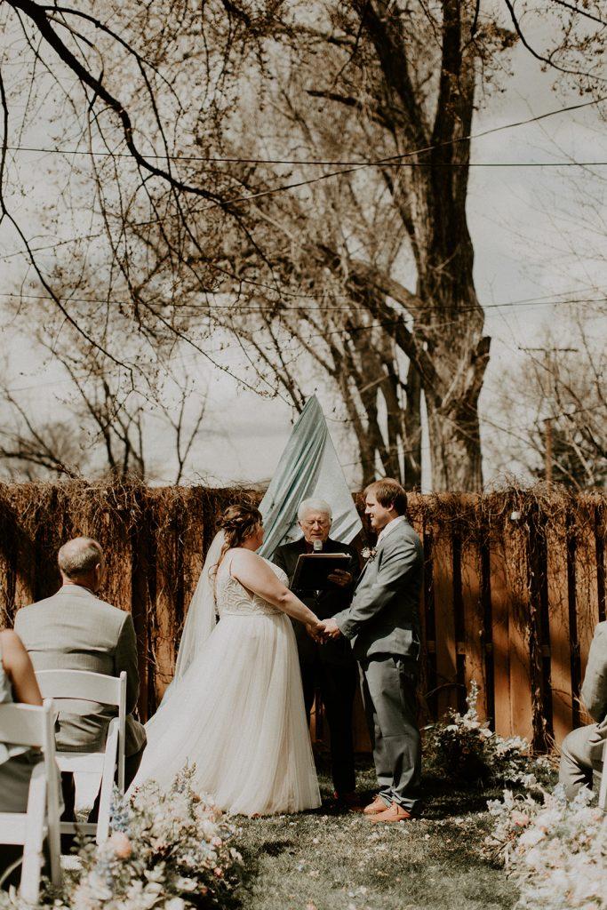 Tips on how to write wedding vows, micro wedding