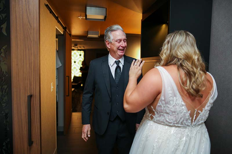 Bride shares first look with her father